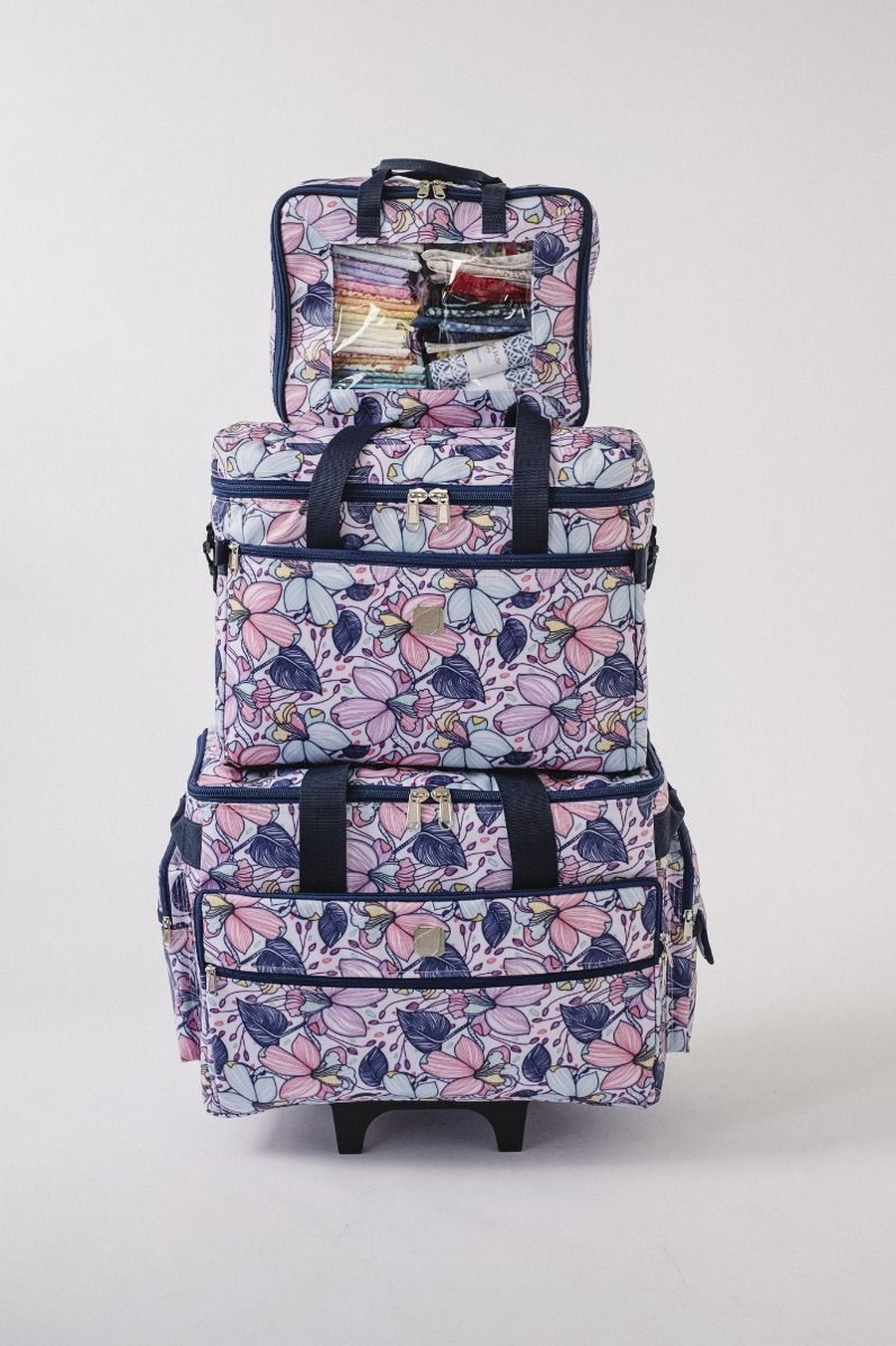 """Bluefig Quilter Retreat Combo: 19"""" Wheeled Bag, Project Bag and Fat Quarter Bag - Maisy"""