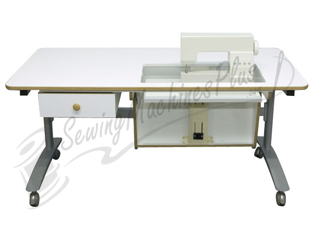 Horn 2500 Multi-Lift Sewing-Cutting Table