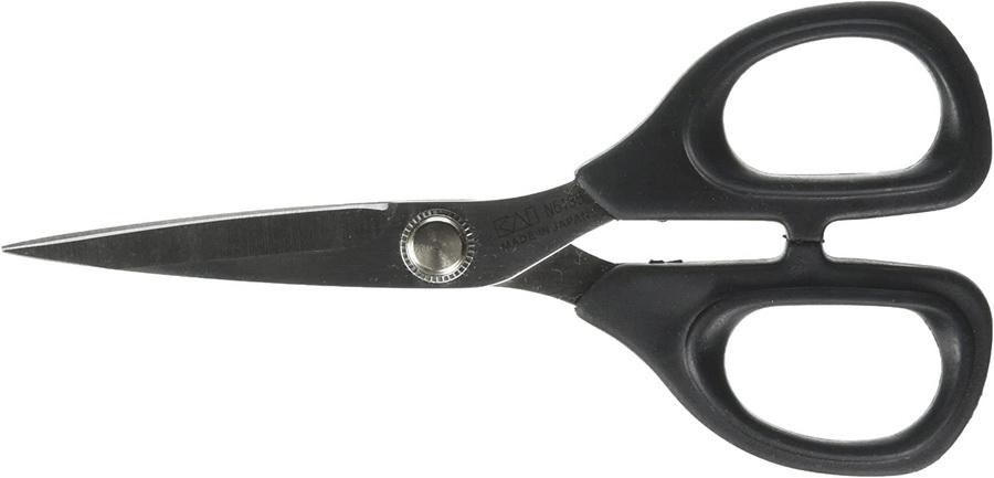 KAI 5 1/2 Inch Curved Blade Scissors (5135C)