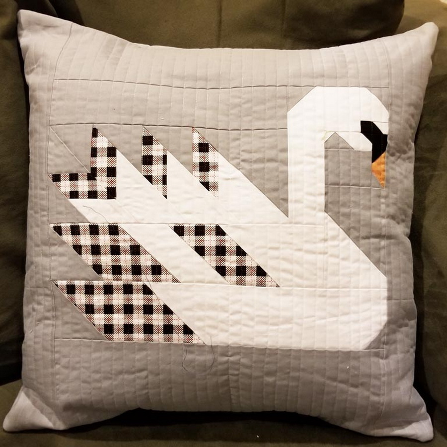 Quilter's Paradise Swan Island Pillow Cover Kit