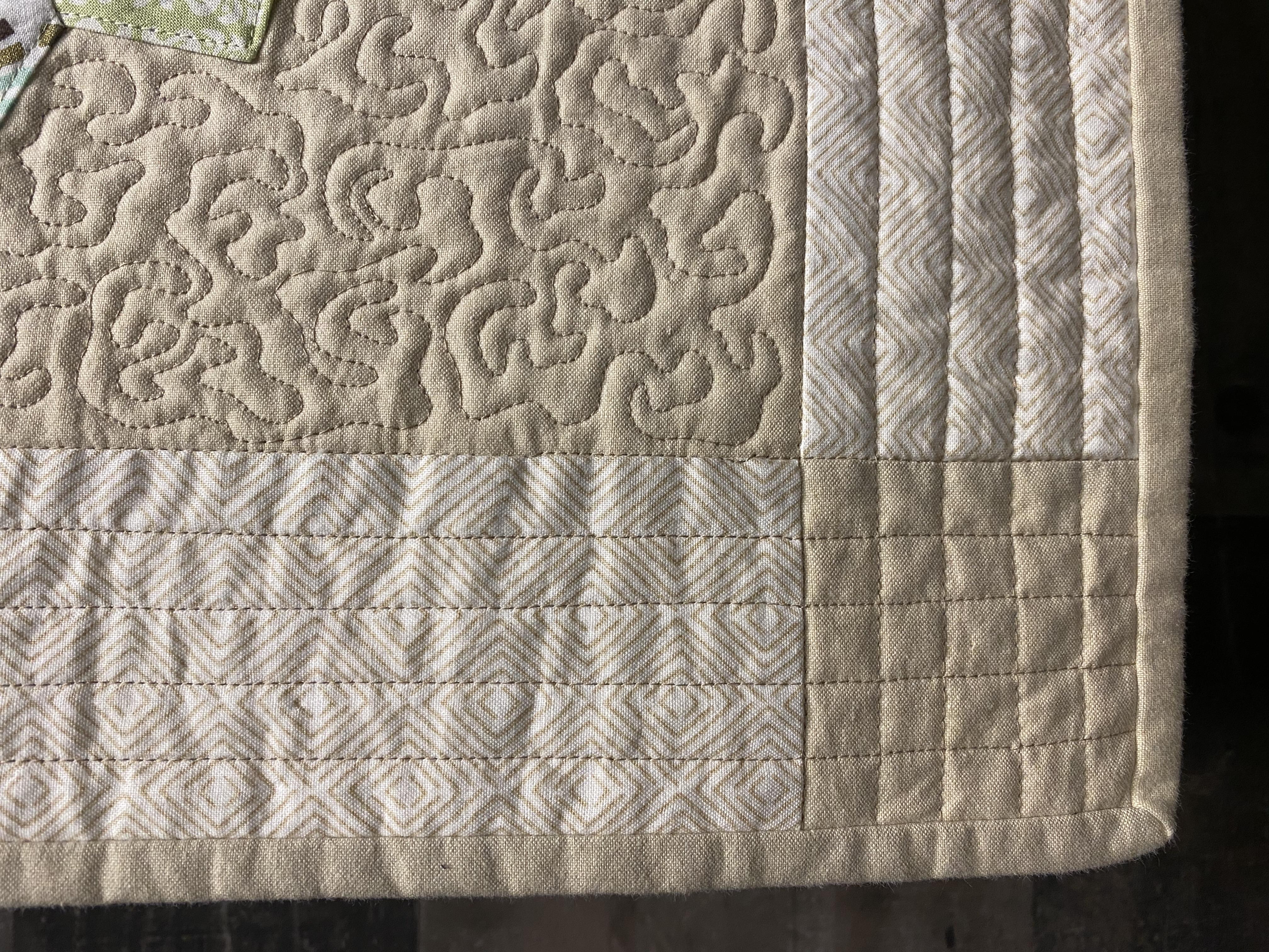 e.Detail quilt front binding