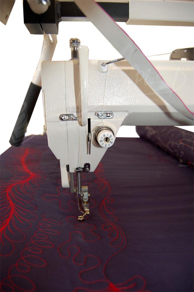 Queen Quilter 40 Machine W Stitch Regulator And Metal Frame Check New Sewing Machines With Stitch Regulator