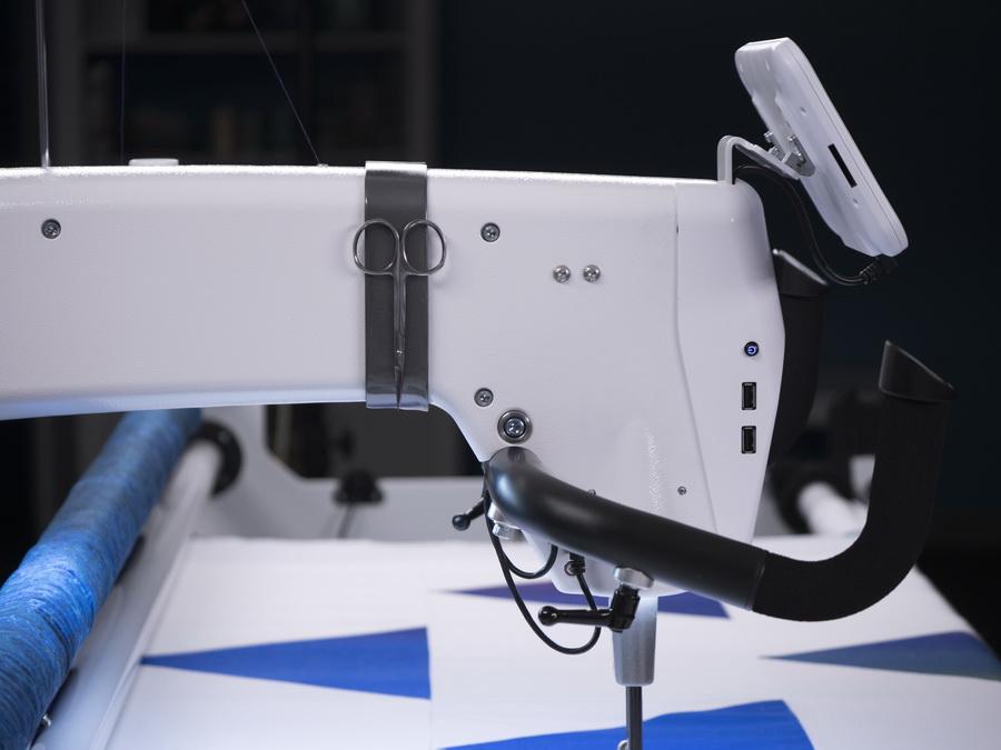 Handi Quilter Amara Hq Long Arm Quilting Machine